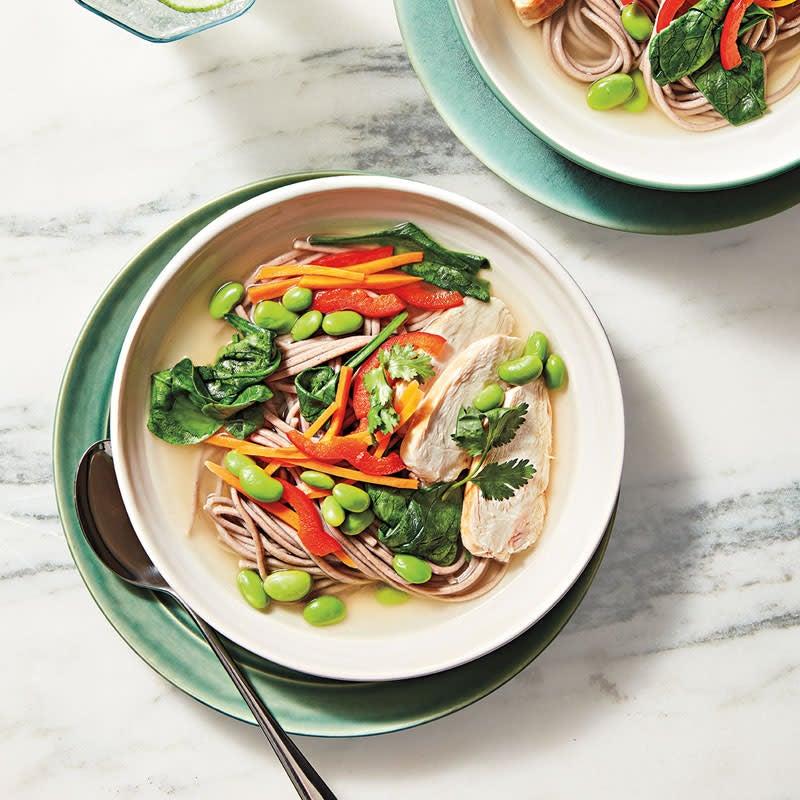 Foto Hähnchen-Gemüse-Suppe mit Sobanudeln von WW