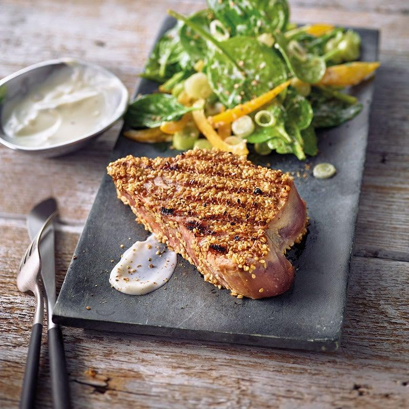 Foto Thunfisch-Steak in Sesamkruste mit Spinatsalat von WW