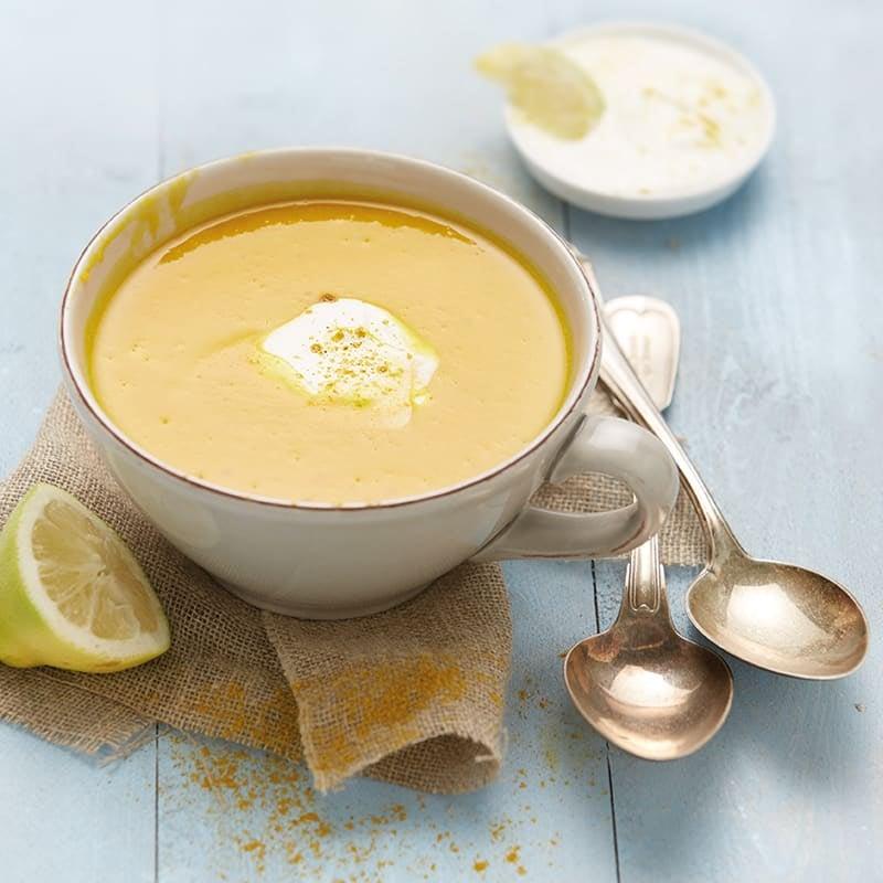 Foto Karotten-Kürbis-Suppe mit Curry-Joghurt-Topping von WW