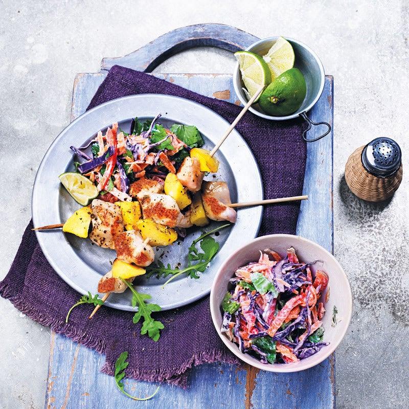 Foto Hähnchen-Mango-Spieße mit buntem Krautsalat von WW