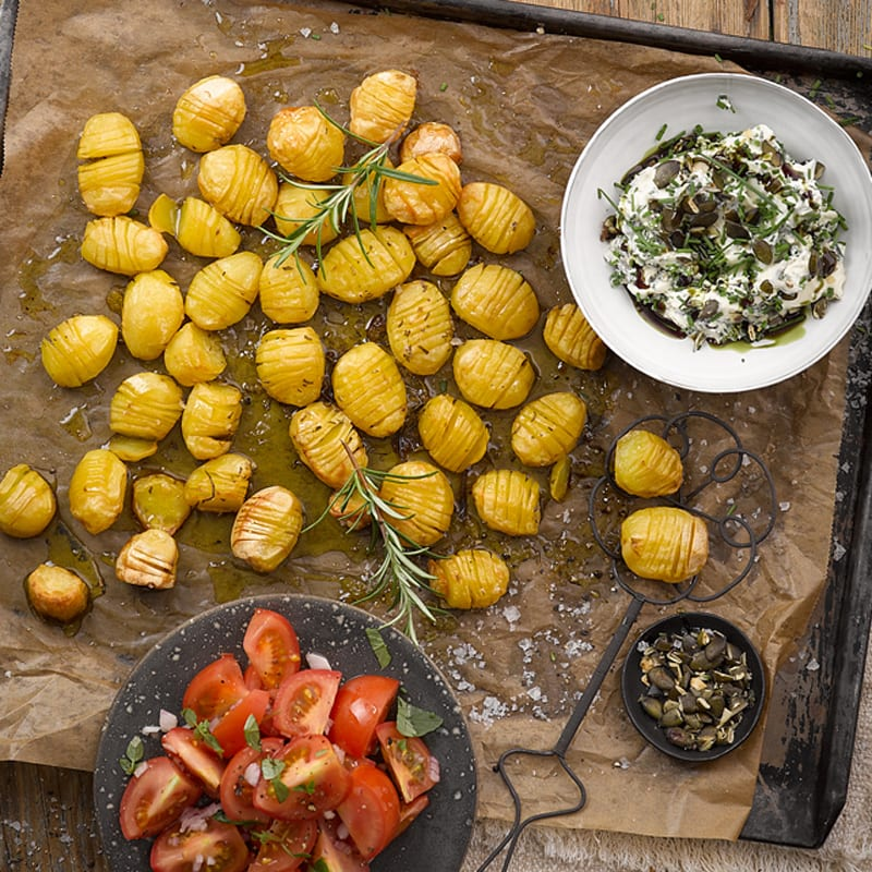 Foto Fächerkartoffeln mit Rosmarin und Kürbiskerndip von WW