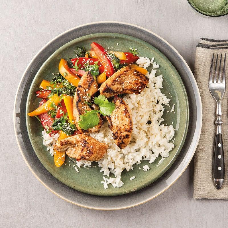 Foto Asiatisches Hähnchen mit Paprika-Spinat-Gemüse und Reis von WW