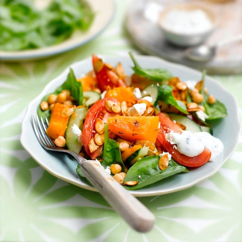 Foto Salat mit Kürbis, Kichererbsen und Schafskäse von WW