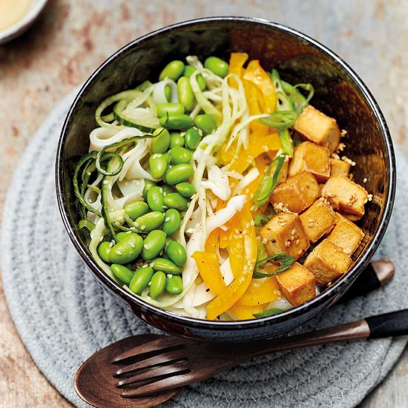 Foto Asia-Tofu-Bowl mit zweierlei Nudeln von WW