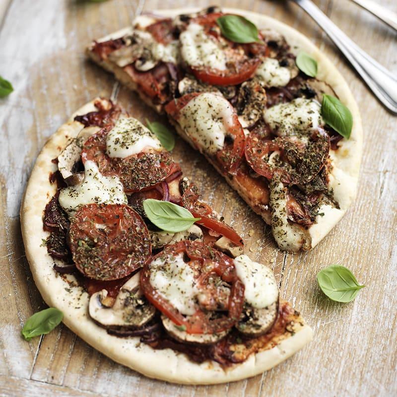 Foto Pizza mit Champignons und Mozzarella von WW