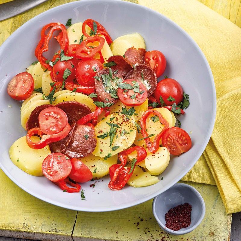 Foto Türkischer Kartoffelsalat mit Sucuk von WW