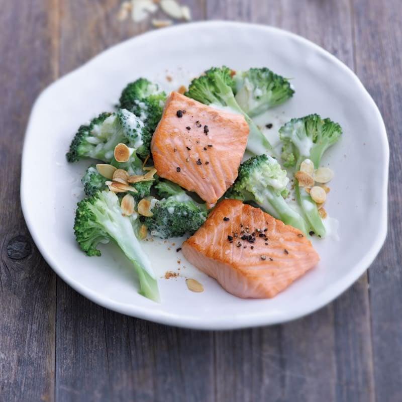 Foto Gebratenes Lachsfilet auf Broccoliragout von WW