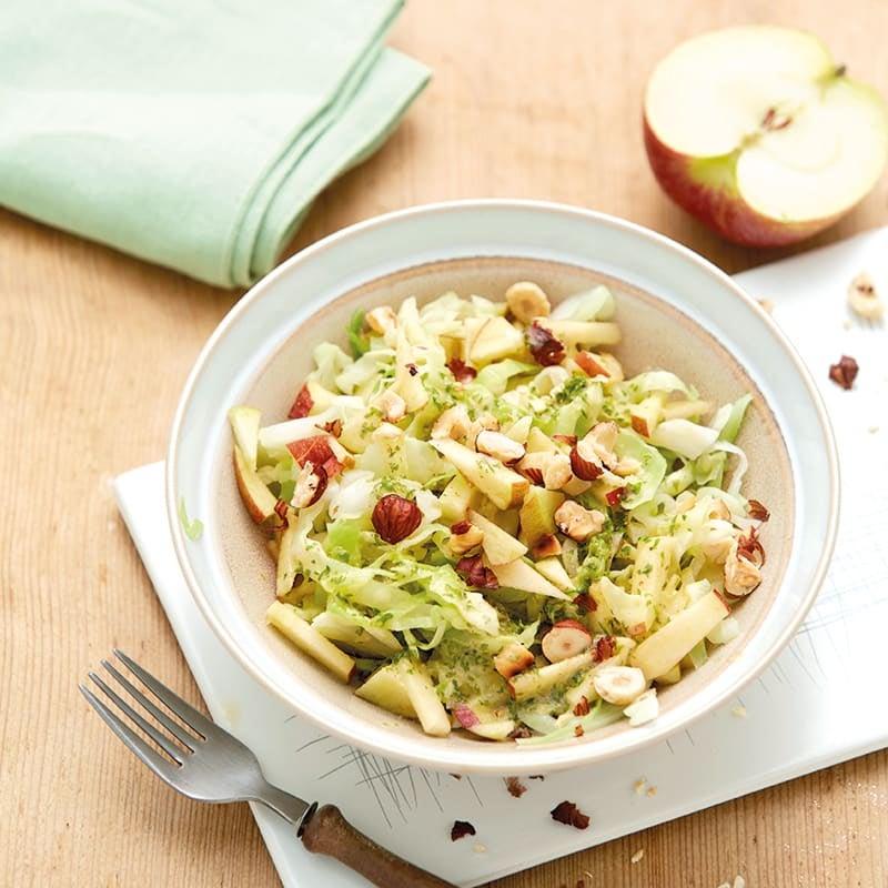 Foto Apfel-Kraut-Salat mit Haselnüssen von WW