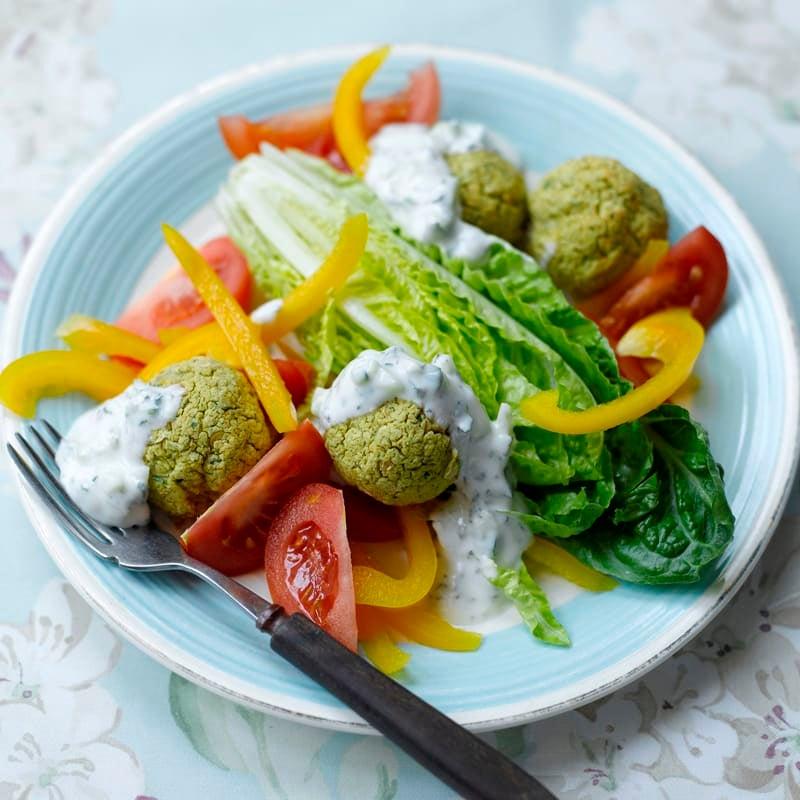 Foto Falafel mit Salat und Zaziki von WW