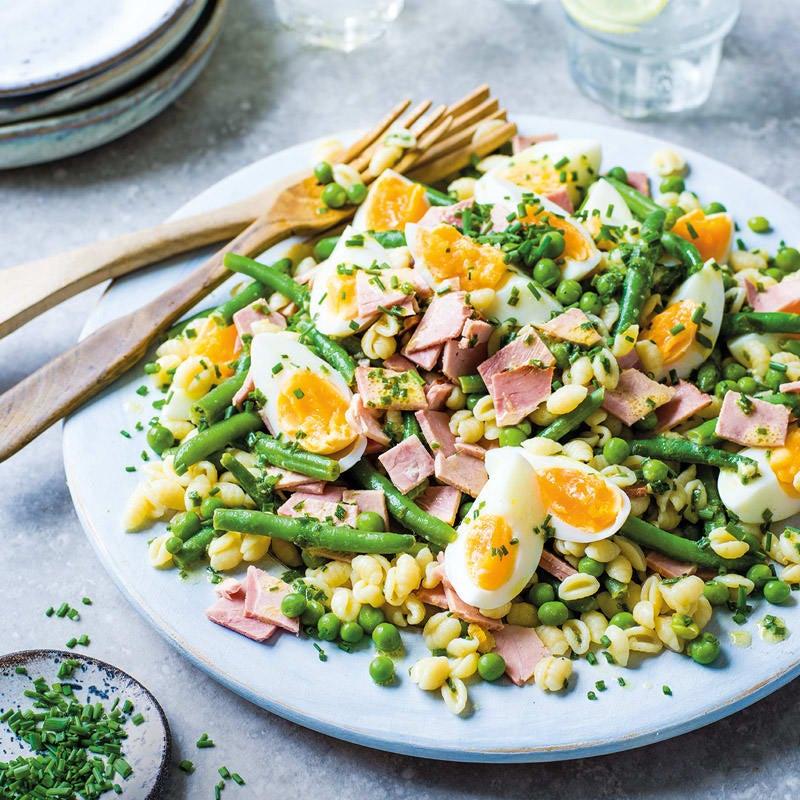 Foto Bohnen-Pasta-Salat mit Ei und Schinken von WW