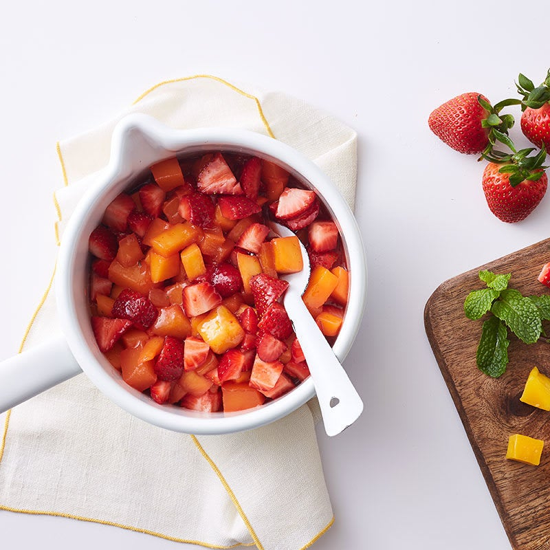 Foto Griechischer Joghurt mit Erdbeer-Mango-Sauce von WW