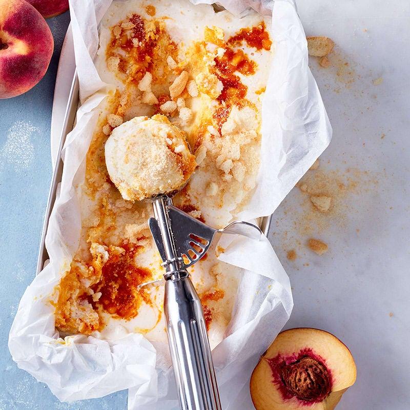 Foto Buttermilcheis mit Pfirsich und Crunch von WW