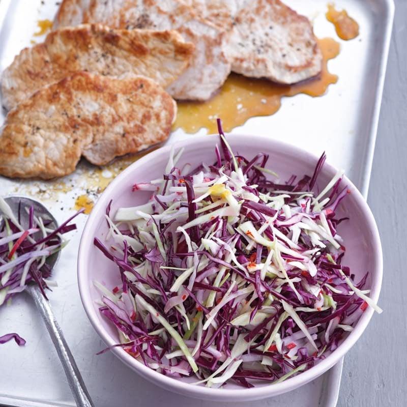Foto Bunter Chili-Kohl-Salat mit Schweineschnitzel von WW