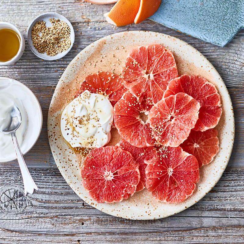 Foto Grapefruit mit Sesam-Honig-Skyr von WW