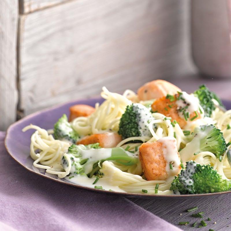 Foto Capellini mit Lachswürfeln und Broccoli von WW