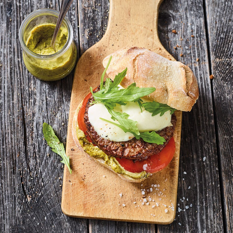 Foto Tomate-Mozzarella-Burger mit Pesto von WW