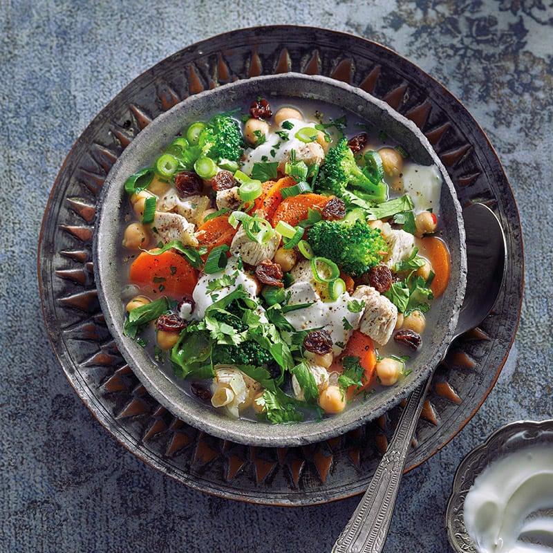 Foto Hühner-Joghurt-Suppe mit Rosinen von WW