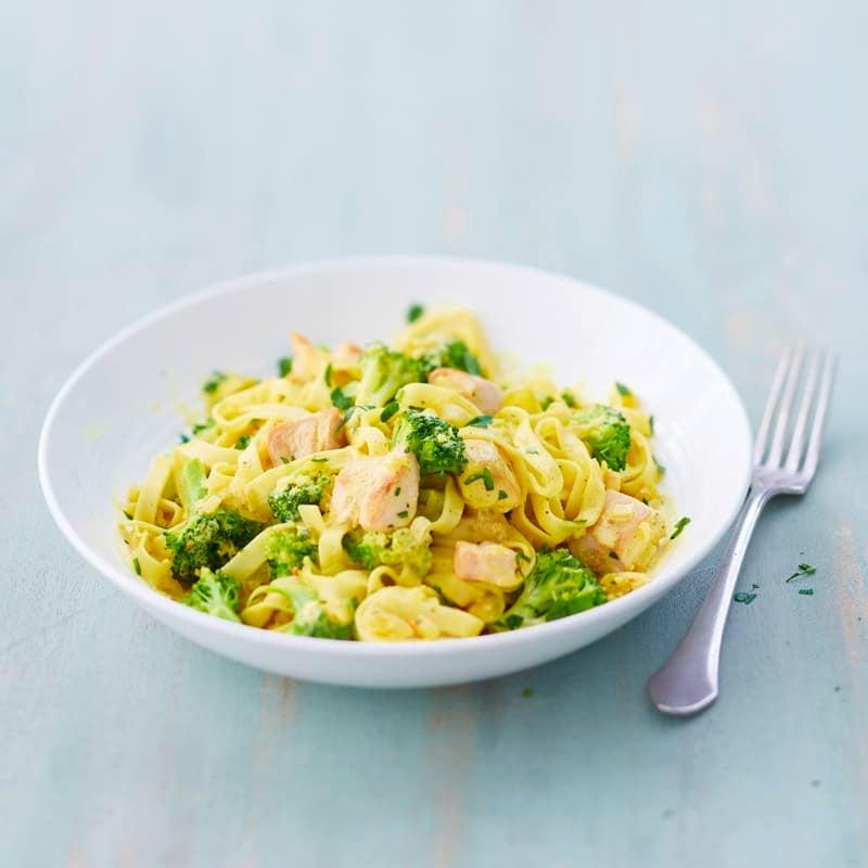Foto Fixes Broccoli-Hähnchen-Curry von WW