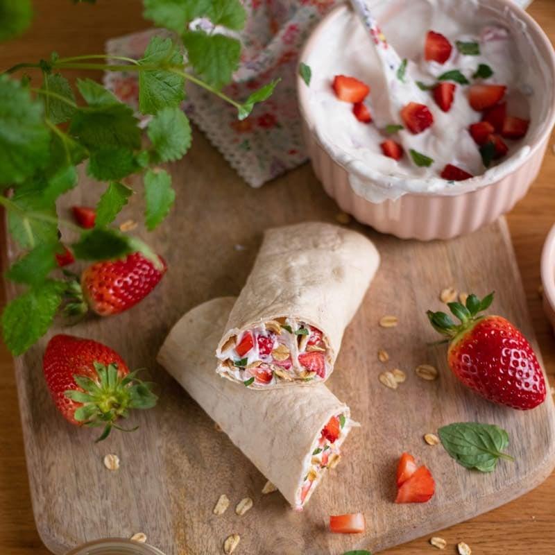 Foto Fruchtiger Wrap mit Erdbeeren von WW