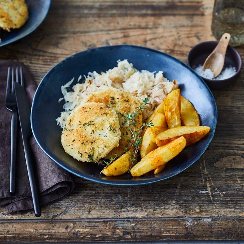 Foto Kohlrabischnitzel mit Sauerkraut und Kartoffelecken von WW