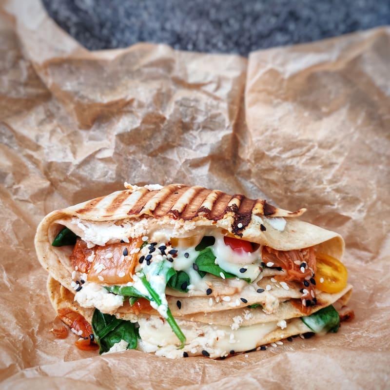 Foto Gegrillter Wrap mit Spinat und Käse von WW