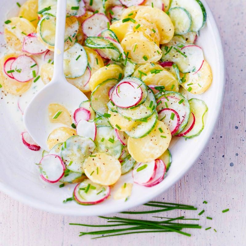 Foto Kartoffelsalat mit Gurken und Radieschen von WW