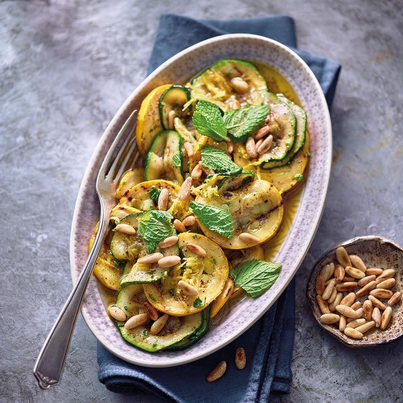 Foto Zucchinisalat mit Zitronen-Minz-Dressing von WW