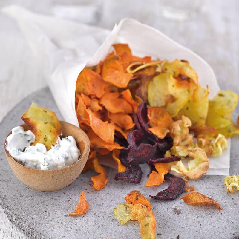 Foto Gemüse-Spiral-Chips mit Kräuterquark von WW