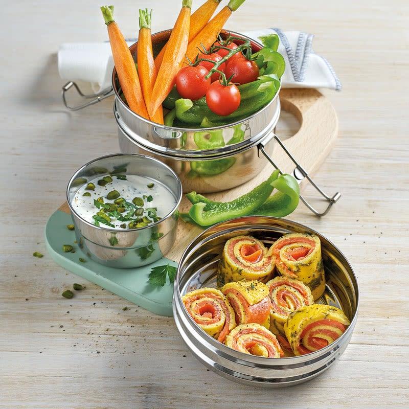 Foto Bento Box mit Lachs-Omelette-Röllchen von WW