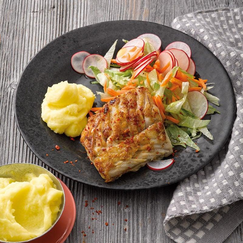 Foto Gegrillter Seelachs mit Radieschen-Karotten-Salat von WW