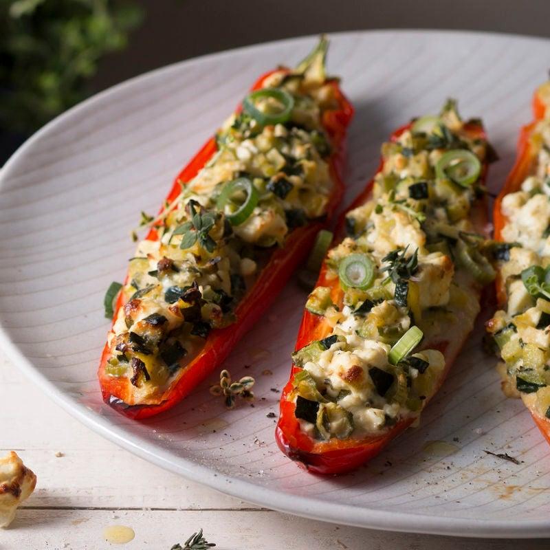 Foto Gefüllte Spitzpaprika mit Zucchini und Schafskäse von WW