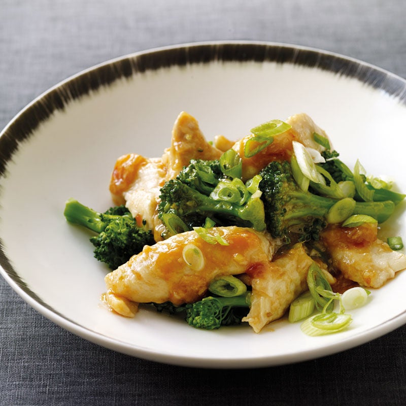Foto Pochierte Hähnchenbrust mit Broccoli von WW