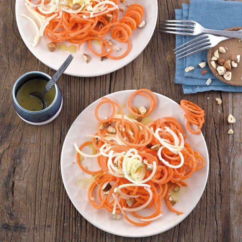 Foto Karotten-Apfel-Salat mit Orangendressing von WW