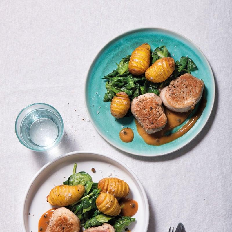Foto Schweinemedaillons in Pfeffersauce mit Fächerkartoffeln und Spinat von WW