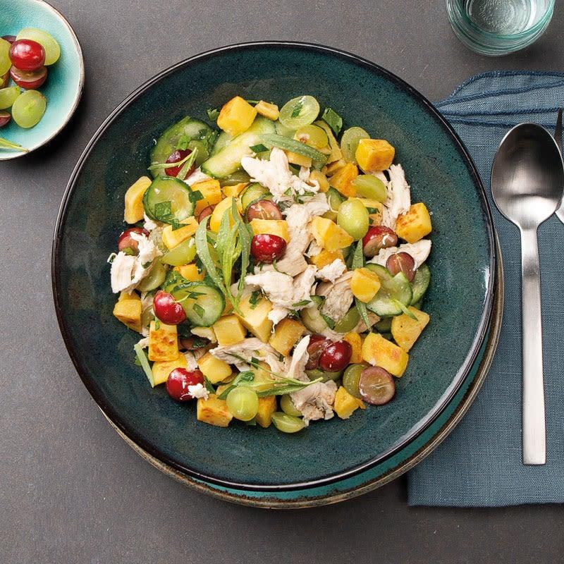 Foto Gezupftes Estragon-Hähnchen in fruchtigem Bratkartoffel-Gurken-Salat von WW