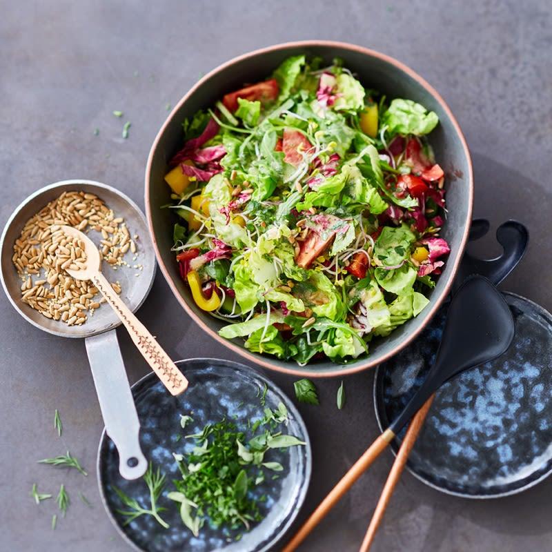 Foto Gemischter Salat mit Kräuterdressing von WW