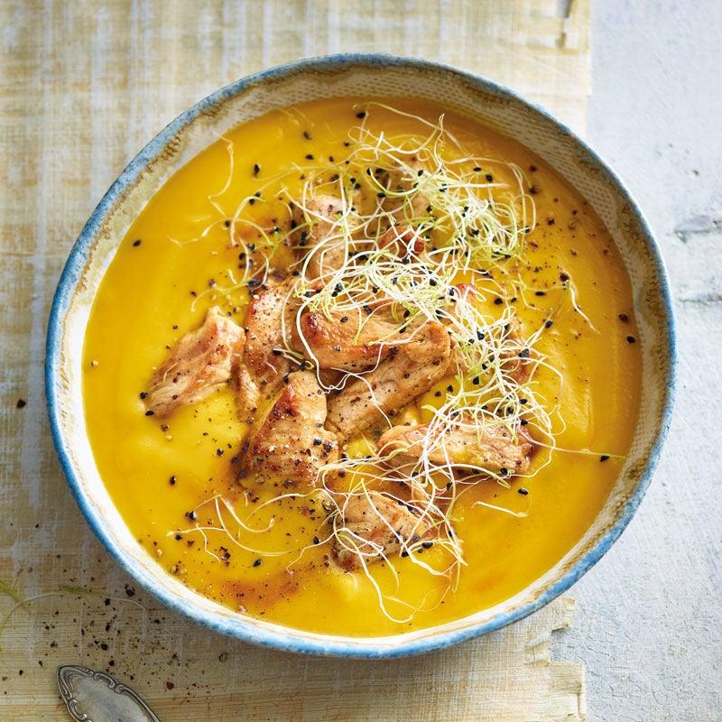 Foto Pastinaken-Karotten-Suppe mit marinierter Putenbrust von WW