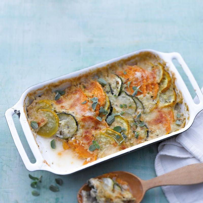 Foto Süßkartoffelauflauf mit Zucchini und Parmesan von WW