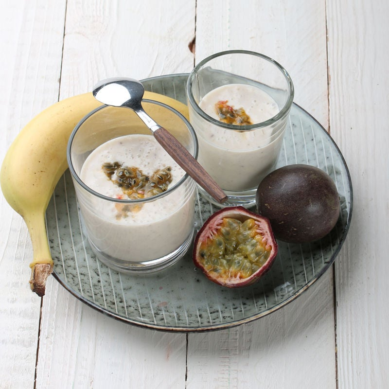 Foto Exotischer Bananenjoghurt mit Passionsfruchttopping von WW