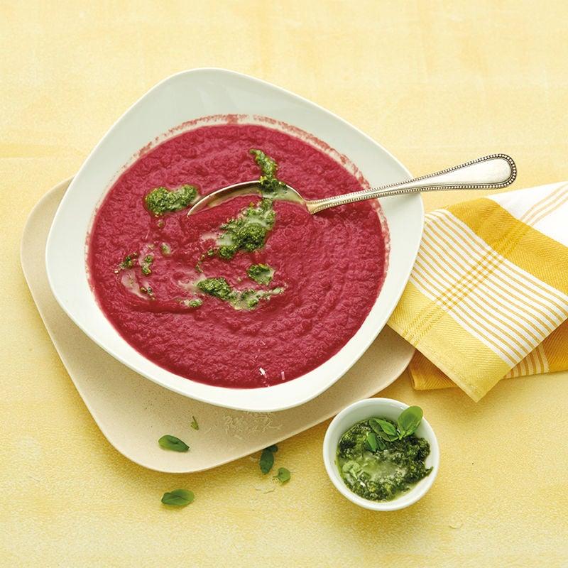 Foto Rote-Bete-Cremesuppe mit Kräuterpesto von WW