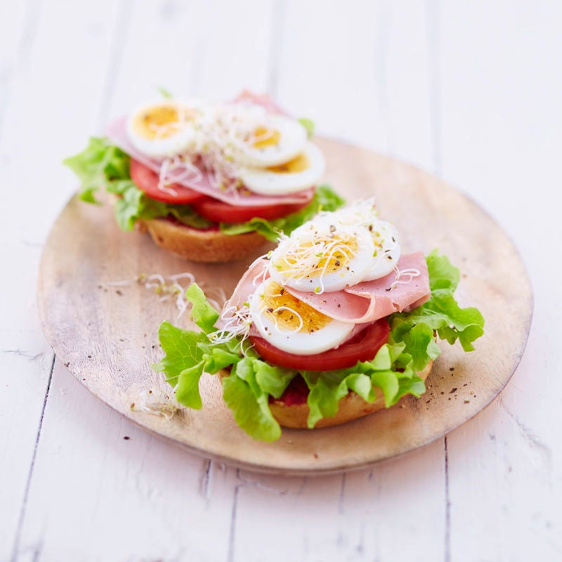 Foto Brötchen mit Ei und Schinken von WW