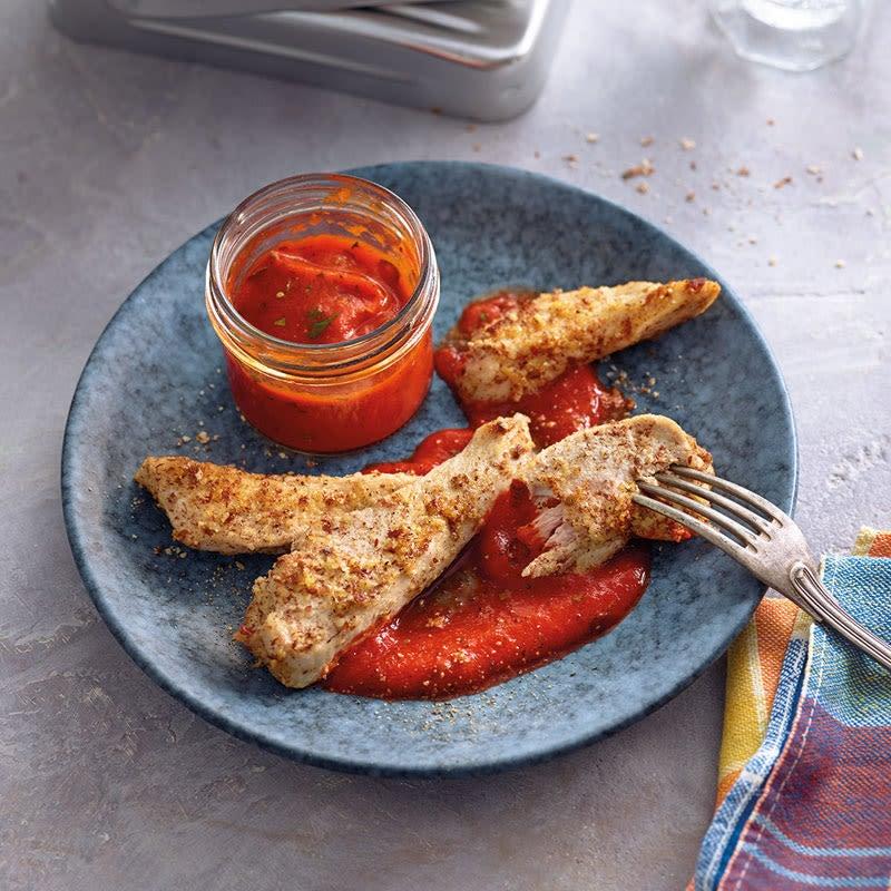 Foto Hähnchenstickies mit Paprika-Mandel-Dip von WW