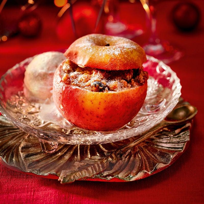Foto Bratapfel mit Quark-Spekulatius-Eis und süßem Basilikum-Minz-Pesto von WW