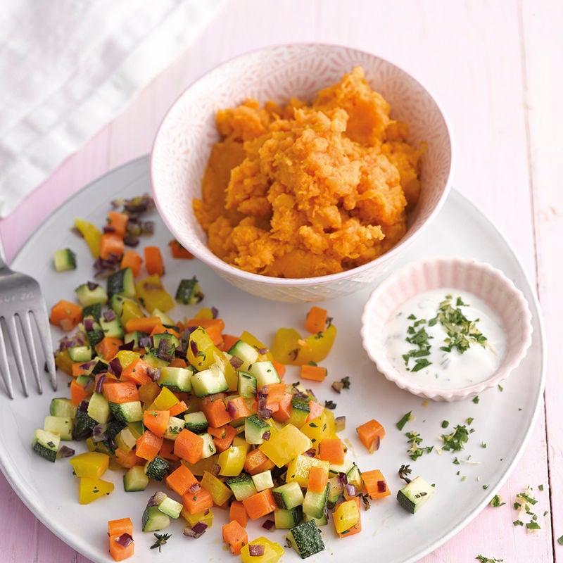 Foto Süßkartoffelstampf mit gebratenen Gemüsewürfeln von WW