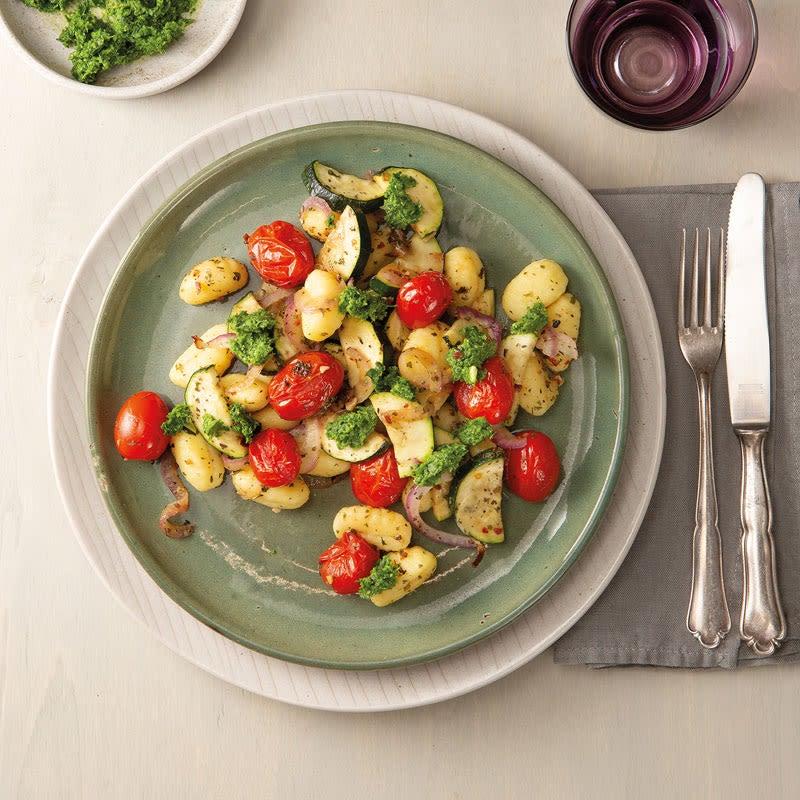 Foto Sommerlicher Gnocchi-Salat mit Petersilienpesto von WW
