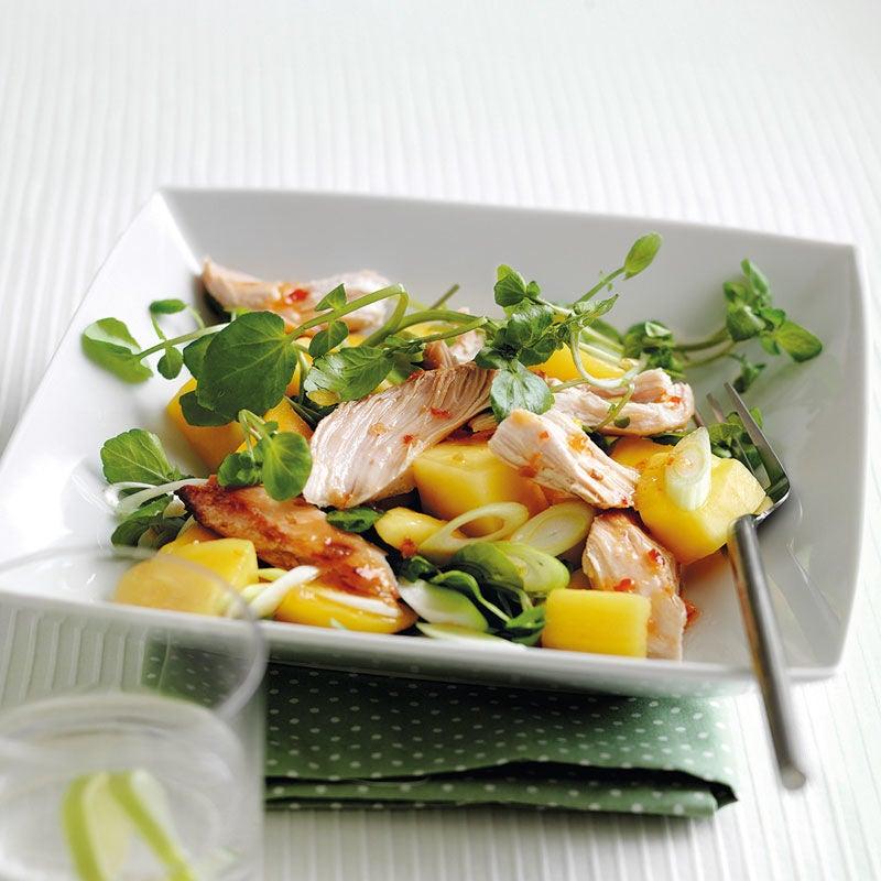 Foto Hähnchen-Mango-Salat mit süßem Chilidressing von WW