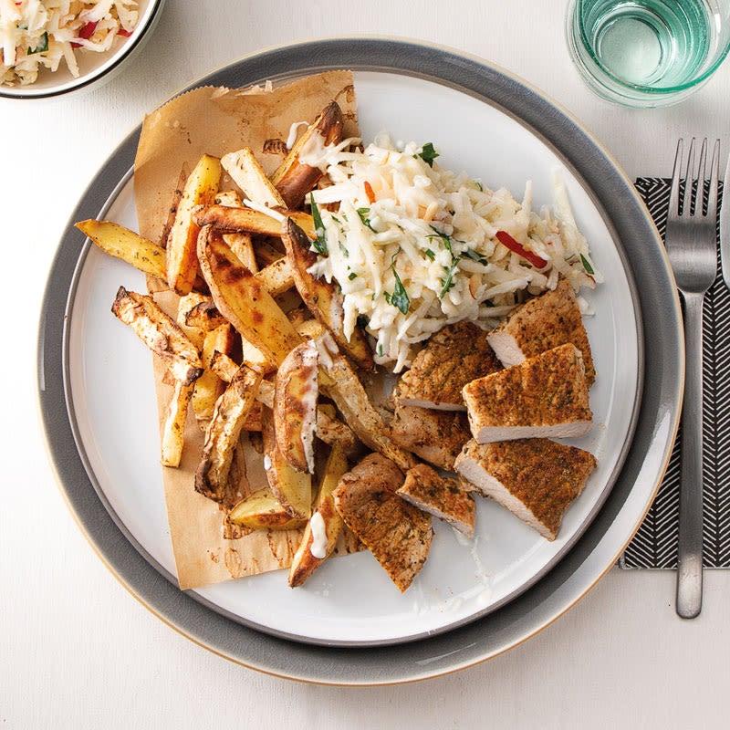 Foto Salat nach Waldorfer Art mit Steaks und Pommes von WW