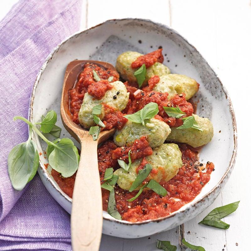 Foto Selbstgemachte Broccoli-Gnocchi mit Tomatensauce von WW